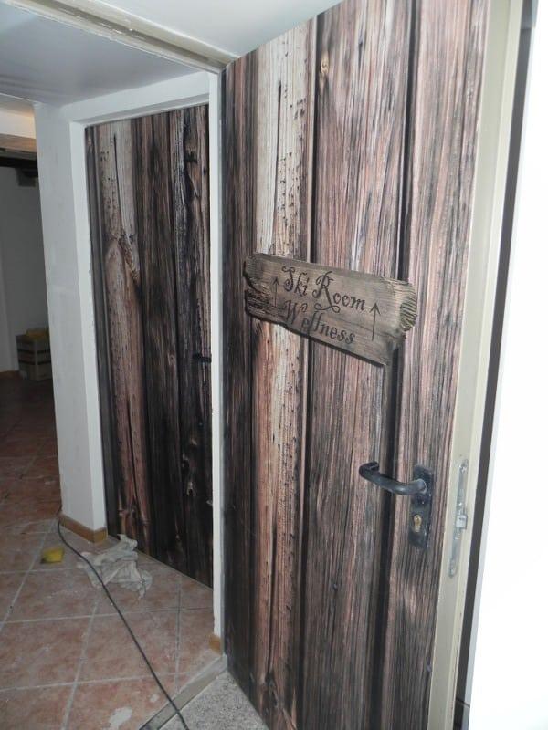 Porte decorate motivo legno stampe digitali studio 3a trento - Porte decorate adesivi ...